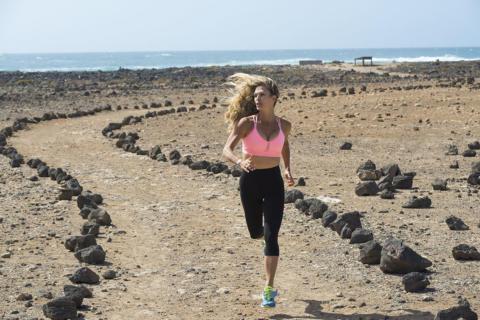 Jill Cooper corre