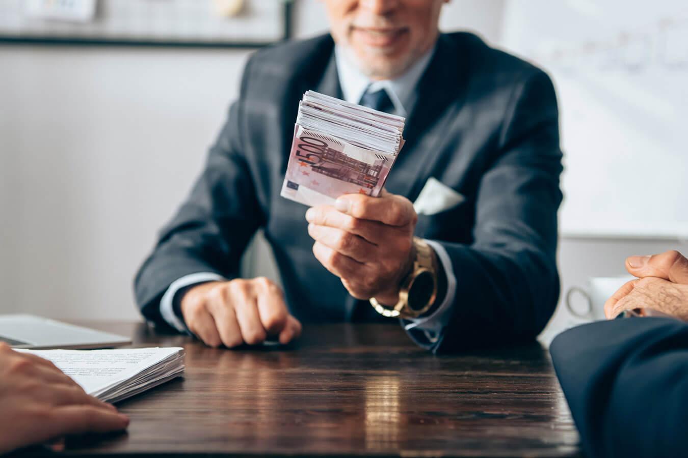 Come ottenere soldi dalle banche